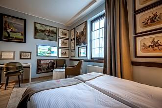 13-hotel-akademia-kuraszkow.jpg