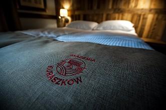 4-hotel-akademia-kuraszkow.jpg