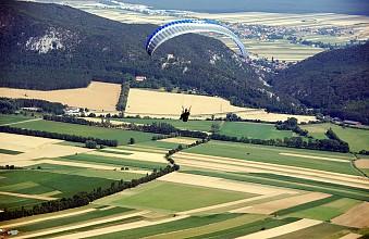 flying-843813_960_720.jpg